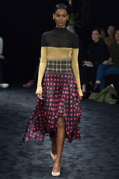589f3e2c78 Loewe Autumn/Winter 2016 Ready-To-Wear show report | British Vogue