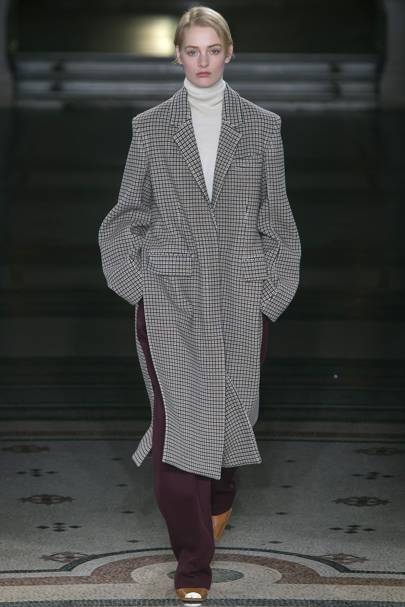 c121f836104 Stella McCartney Autumn Winter 2017 Ready-To-Wear show report ...