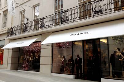 inside chanel store. click through the gallery to step inside latest world of chanel. chanel store 1