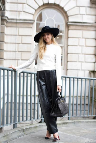 Stephanie Stola, stylist