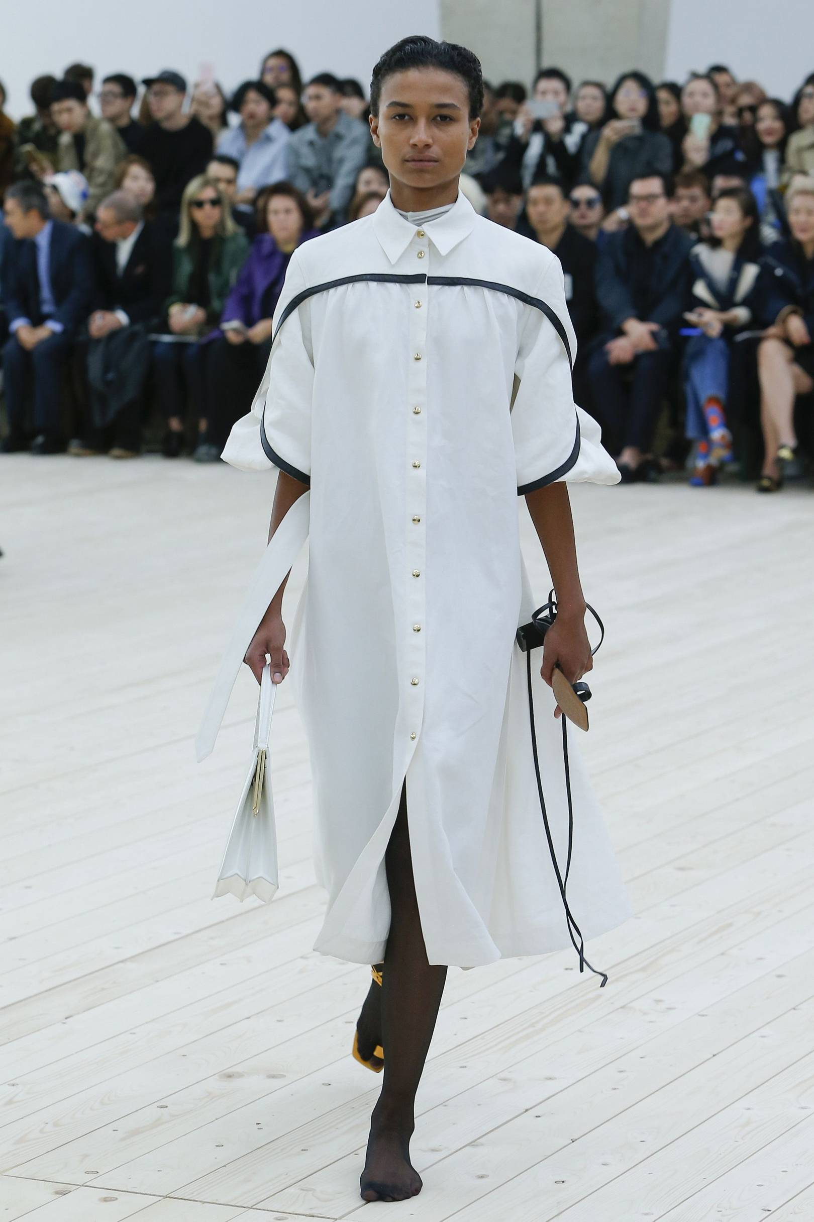 Celine FallWinter 2015-2019 Collection – Paris Fashion Week Celine FallWinter 2015-2019 Collection – Paris Fashion Week new picture