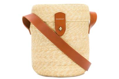 Cristaseya: bucket straw bag