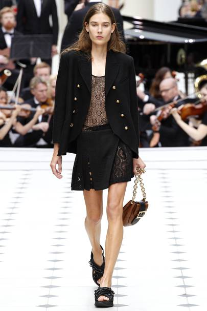 Burberry Prorsum Spring Summer 2016 Ready-To-Wear show report ... 87a791987c