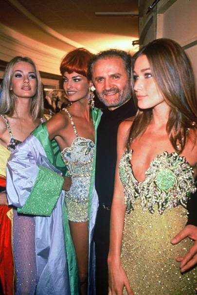 Karen Mulder, Linda Evangelista, Gianni Versace and Carla Bruni, 1992
