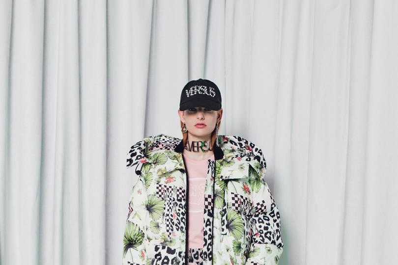 863168346b82e Versus Versace Autumn Winter 2018 Ready-To-Wear show report ...