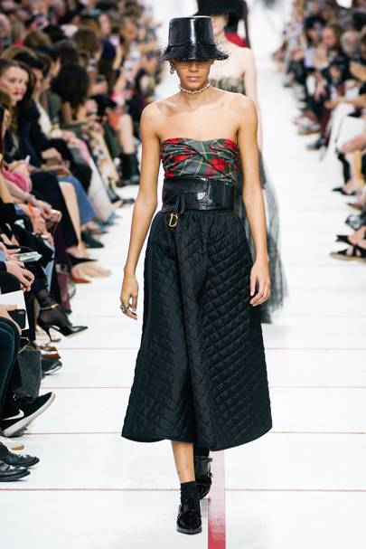 6a82382630f41 Christian Dior Autumn Winter 2019 Ready-To-Wear show report ...