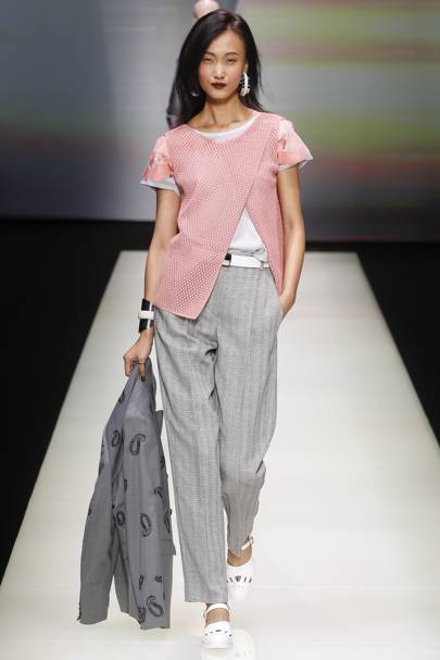 Emporio Armani Spring Summer 2016 Ready-To-Wear show report ... 586b0cd210
