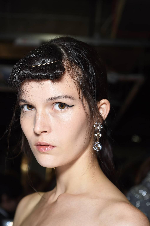 How To Do Cat Eye Makeup British Vogue
