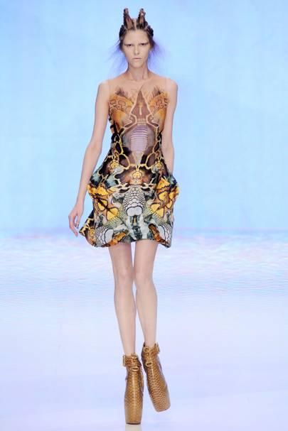 Alexander McQueen Spring/Summer 2010 Ready-To-Wear show report ...