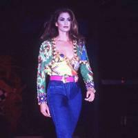 Cindy Crawford, 1997