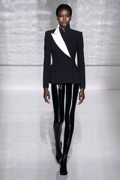 3f1a2fa962f Givenchy Autumn Winter 2018 Couture show report