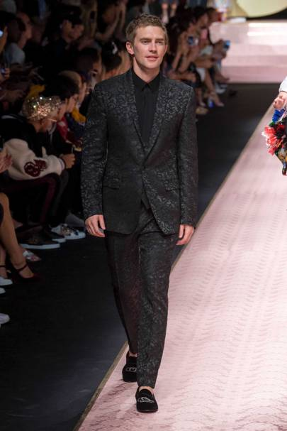 4efc9d9d3df5 Dolce   Gabbana Spring Summer 2019 Ready-To-Wear show report ...