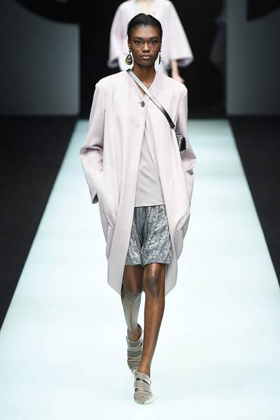 new product 9d06a bec52 Giorgio Armani AutumnWinter 2018 Ready-To-Wear collection