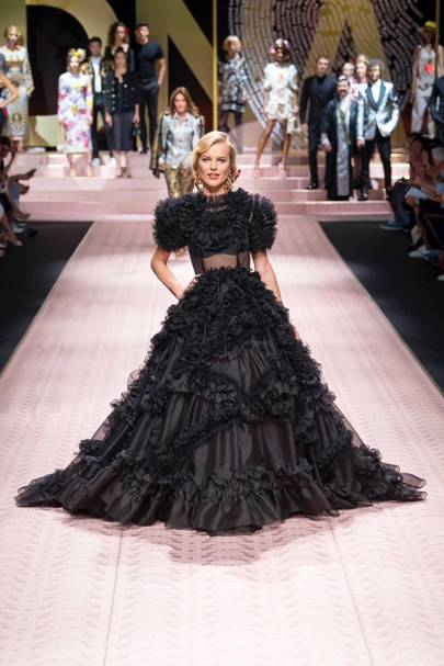 8346e4a4b54 Dolce   Gabbana Spring Summer 2019 Ready-To-Wear show report ...