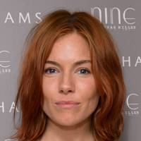 sienna miller hair and hairstyles vogue covers and red carpet british vogue. Black Bedroom Furniture Sets. Home Design Ideas