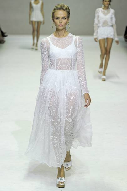 084c692ef1c9 Dolce   Gabbana Spring Summer 2011 Ready-To-Wear show report ...