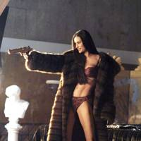 Demi Moore - Charlie's Angels: Full Throttle