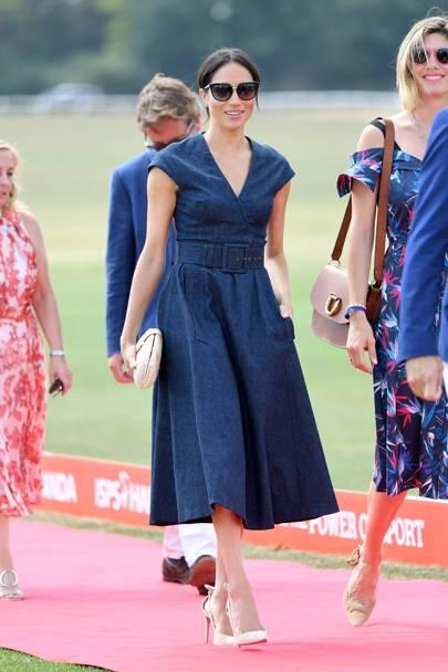 26c7d5dab7 The Duchess Of Sussex Navigates The Heatwave In Denim