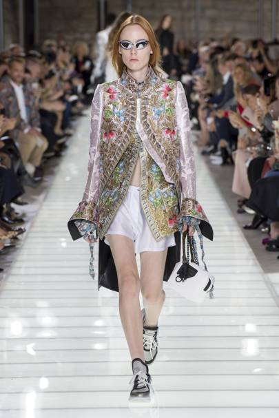 c6fb50a372517 Louis Vuitton Spring Summer 2018 Ready-To-Wear show report