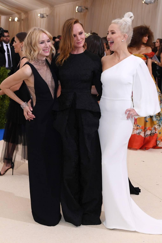 Naomi Watts, Stella McCartney y Kate Hudson. Foto: Vogue.