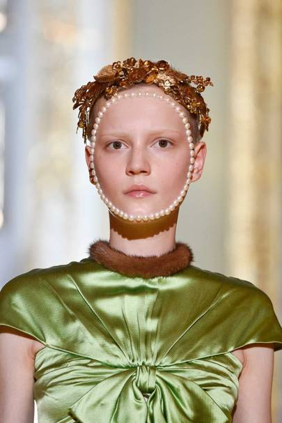 The Gucci Cruise 2018 collection featured references from Renaissance portraiture. Was the bead detailing here inspired by Leonardo's