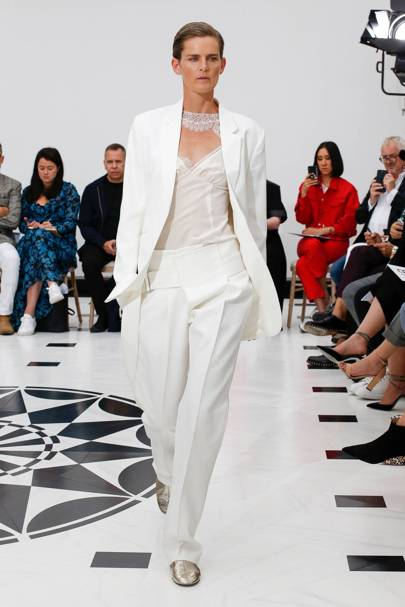 c0c31b2d854f Victoria Beckham Spring/Summer 2019 Ready-To-Wear show report ...