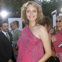 Amber Valletta - July 2000