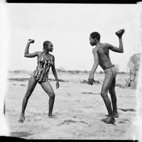Combat Des Amis Avec Pierres Au Bord Du Niger, 1976