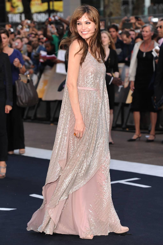 Angelina Jolies Tonal Wardrobe Trend British Vogue Jolie Clothing Rhey Tulle Skirt