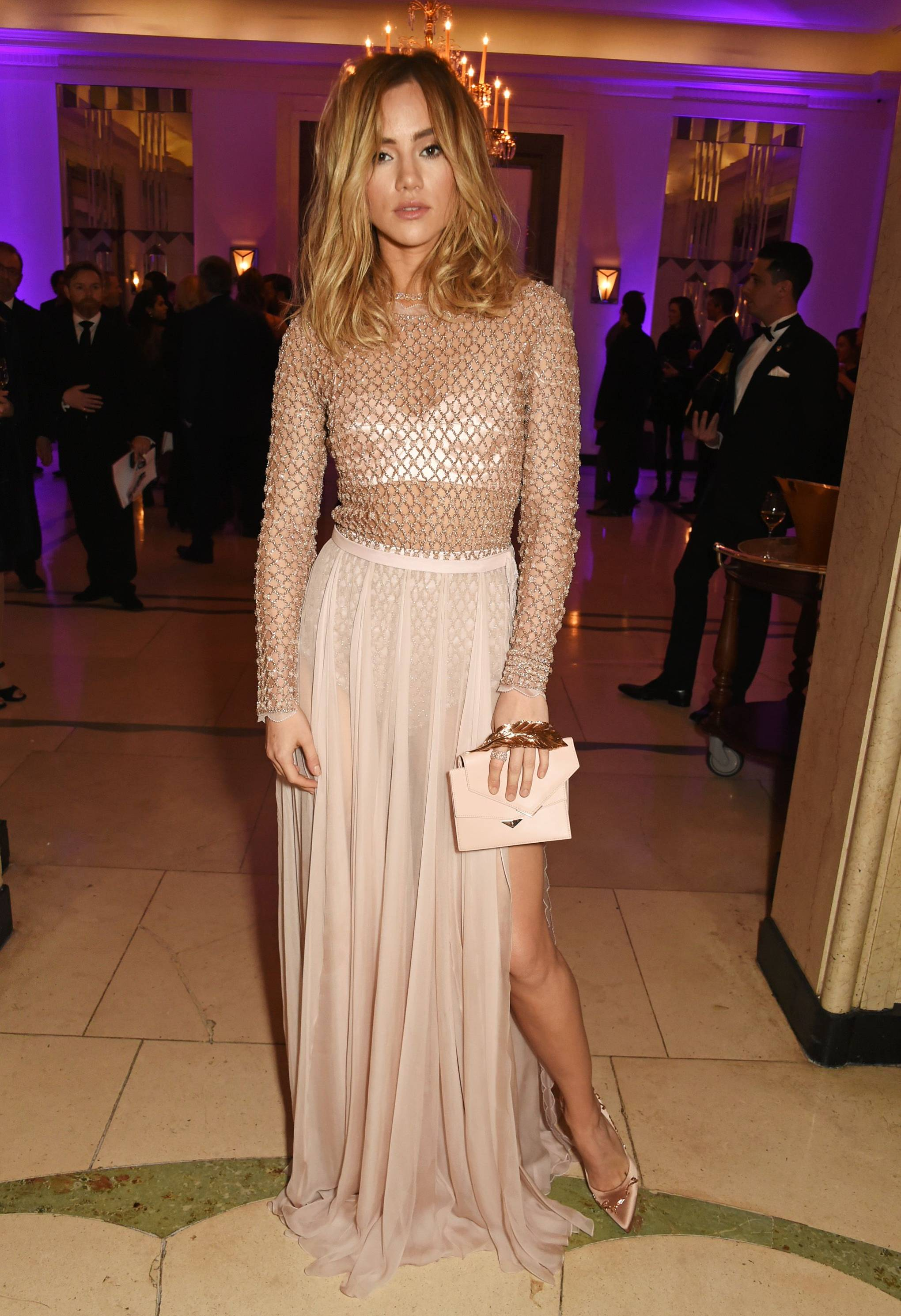 Suki Waterhouse Style   Fashion Pictures - Style File   British Vogue 835d62a091