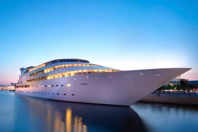 Sunborn Yacht