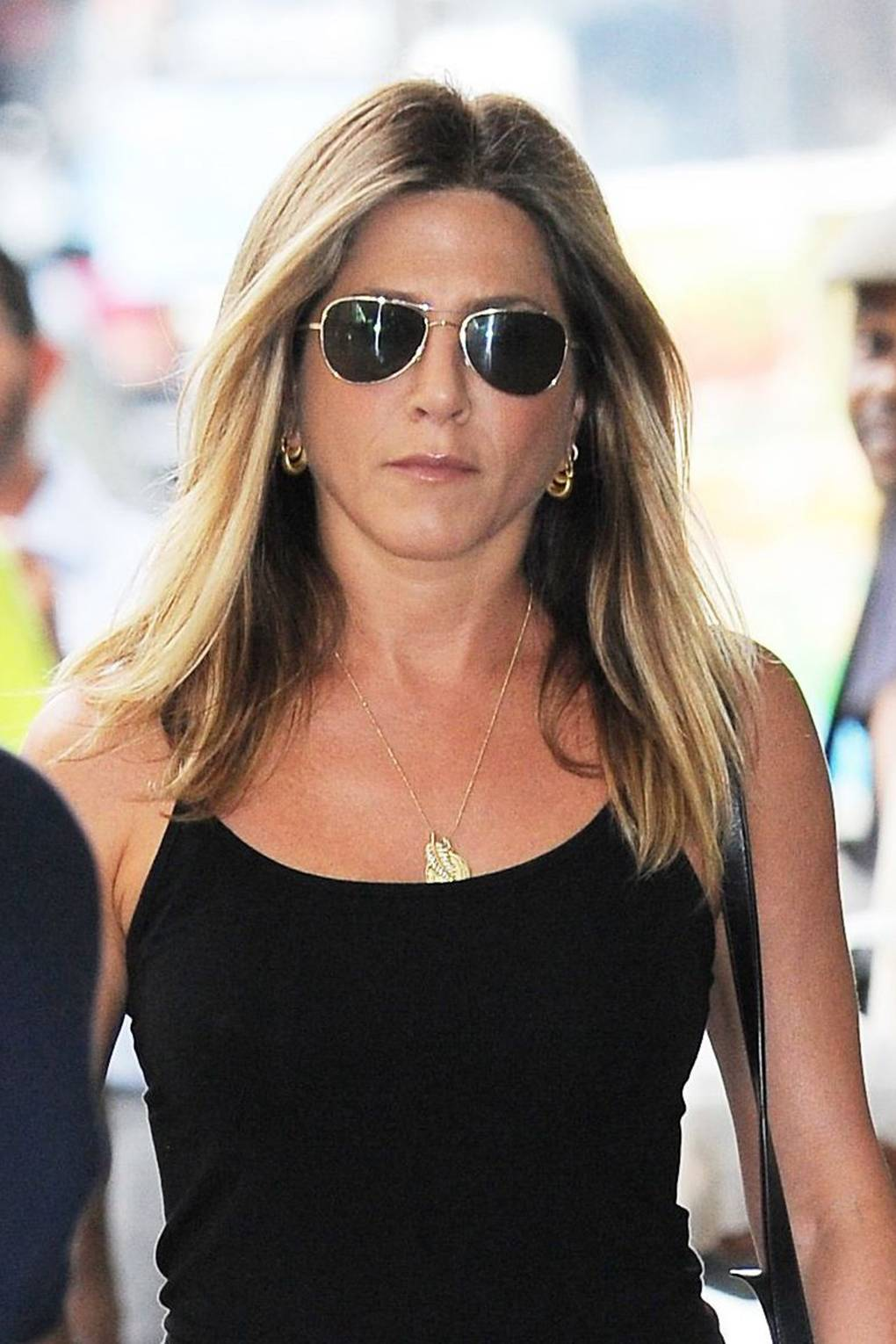 Jennifer Aniston talks about body-shaming in Vogue interview recommendations