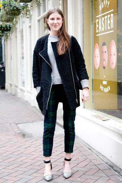 Lauren T. Franks, fashion assistant