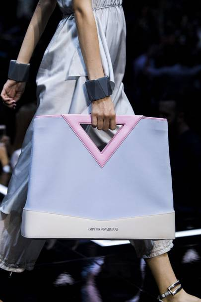 3adcca4e397d Bag Trends 2019  Vogue s Guide To The Biggest 2019 Bag Trends You ...