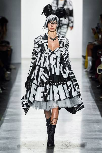 34167fea48823b Jeremy Scott Autumn Winter 2019 Ready-To-Wear show report