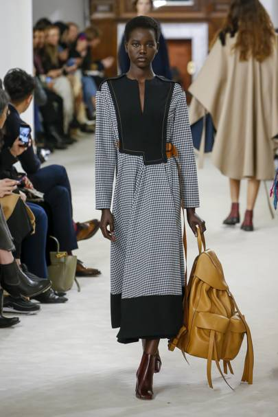 Loewe Autumn/Winter 2018 Ready-To-Wear Collection