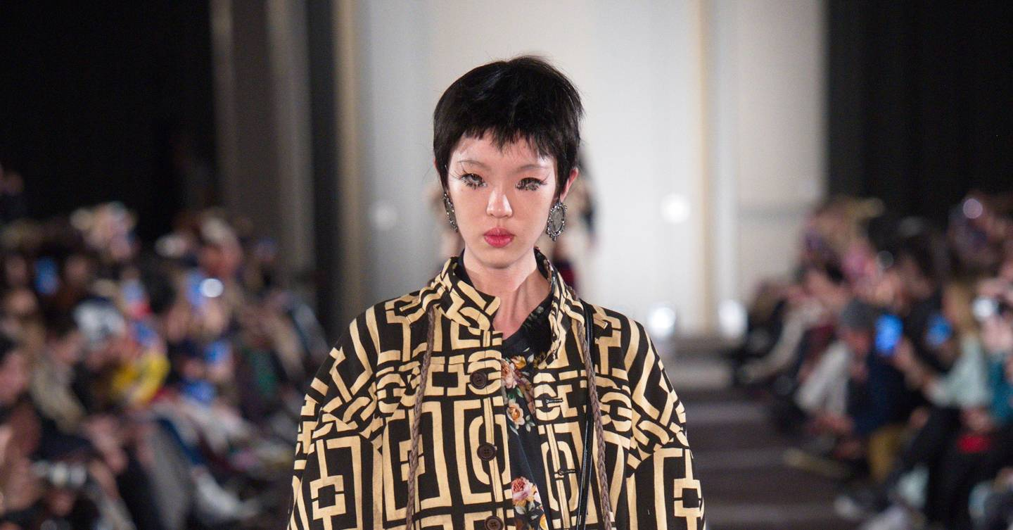 Andreas Kronthaler for Vivienne Westwood Autumn Winter 2019 Ready-To-Wear  show report  cb8e35194