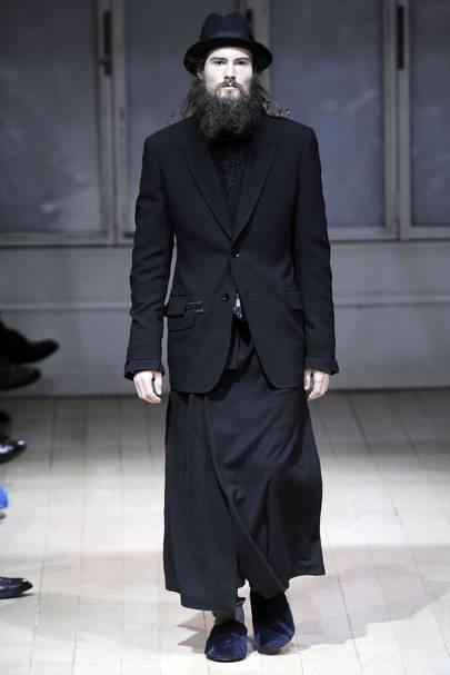 47b2d8f1ae6 Yohji Yamamoto Autumn Winter 2009 Menswear show report