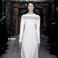Anne hathaway wedding dress valentino marry adam schulman anne hathaways wedding dress revealed junglespirit Gallery