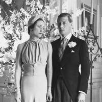 Wallis Simpson - Pale Blue