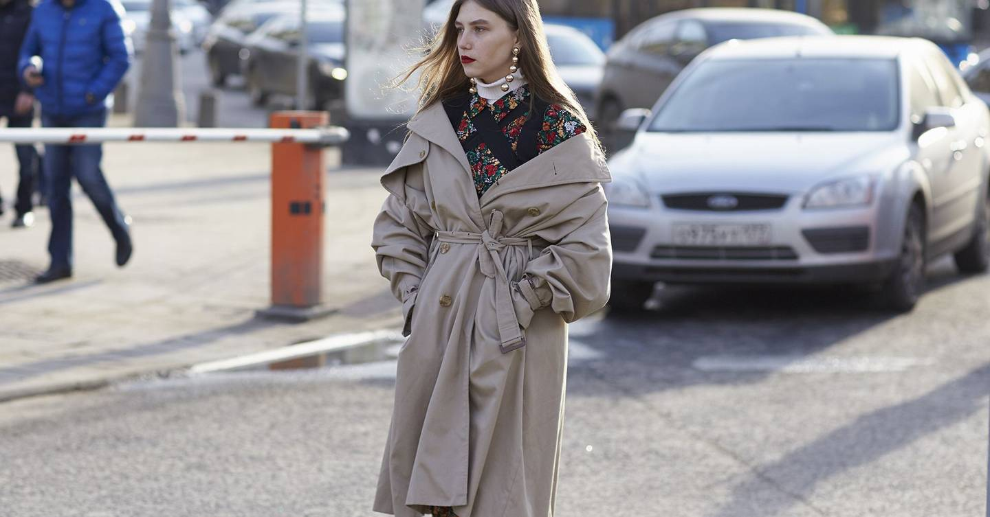e0211dbec8de How To Wear Trench Coats