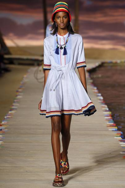 c5c41976d7 Tommy Hilfiger Spring Summer 2016 Ready-To-Wear show report ...