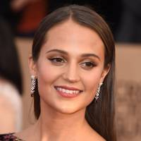 Alicia Vikander's Metallic Eyes
