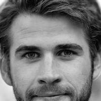 Liam Hemsworth, 27