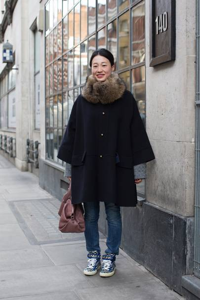 Miho Niwa, office worker