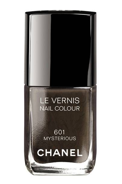 Chanel 'Mysterious' Nail Colour