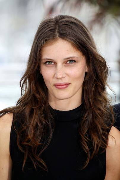 marine vacth interview jeune et jolie british vogue. Black Bedroom Furniture Sets. Home Design Ideas