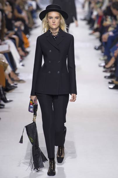 c8a534c9ea Christian Dior Spring Summer 2018 Ready-To-Wear show report ...