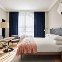 The Hunker-Down Hotel: 11 Howard