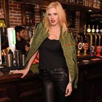 Frame x Lara Stone pub quiz, London – November 16 2016